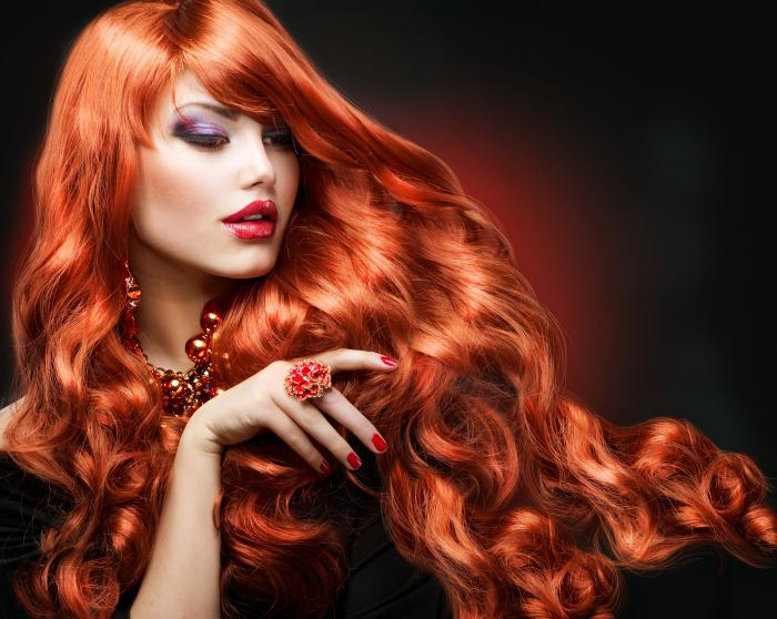 Tmave Cervena Holka Kdo Je Vhodny Pro Cervene Vlasy